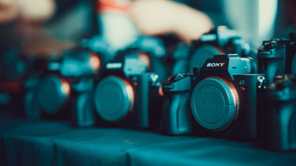 The-Best-Mirrorless-Cameras-Header-Image