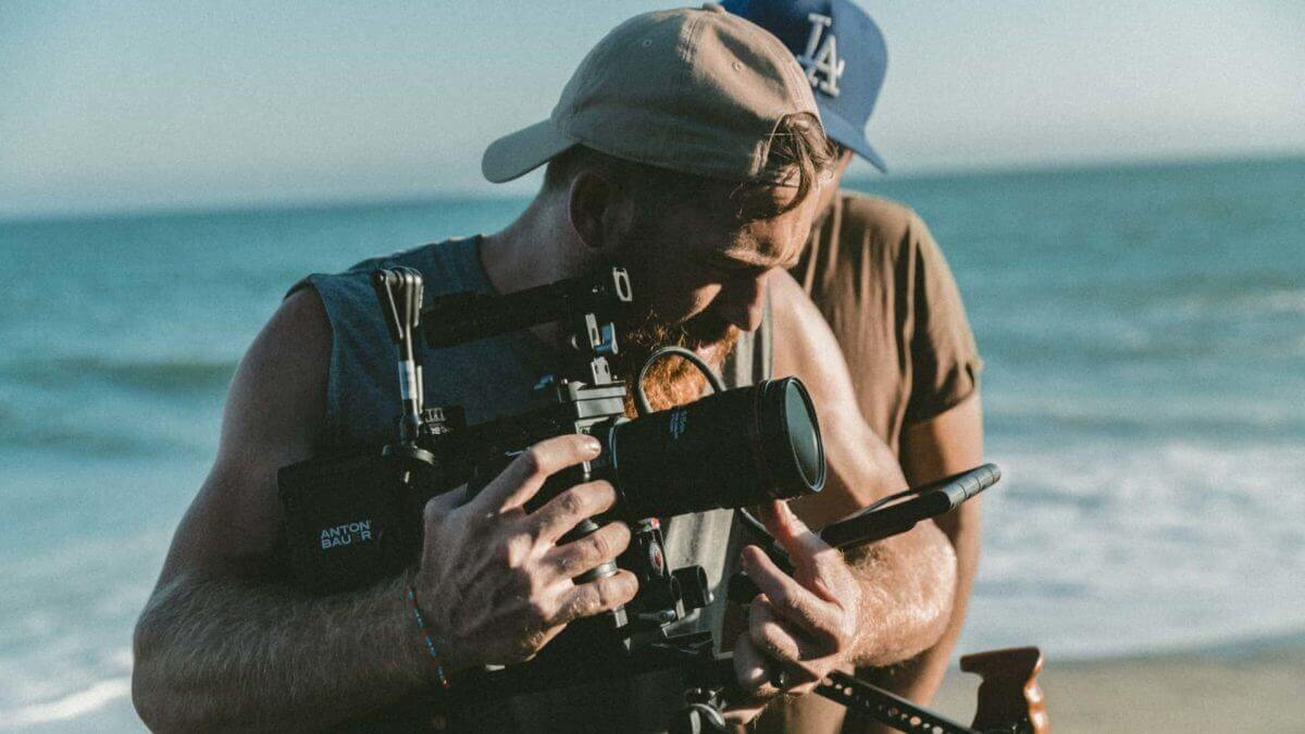 Shooting Schedule Pro Tips For A 10-Page Shoot Day – StudioBinder – Featured