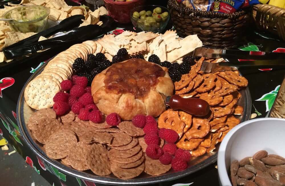 5 Popular Craft Services Companies in Los Angeles - Sunday Night Dinner Craft Services