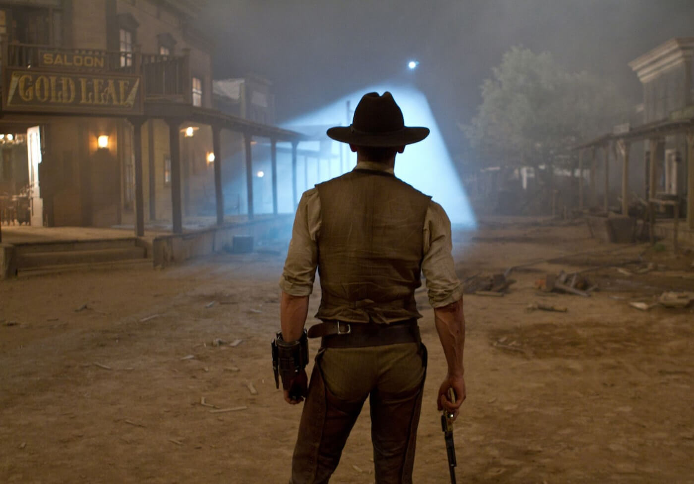 Ultimate Guide To Camera Shots - Medium Long Shot In Cowboys And Aliens