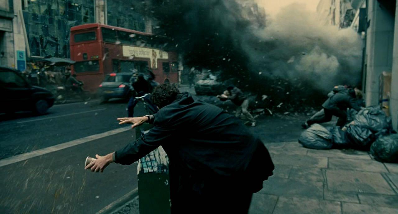 Alfonso Cuaron Movies - Explosion Scene