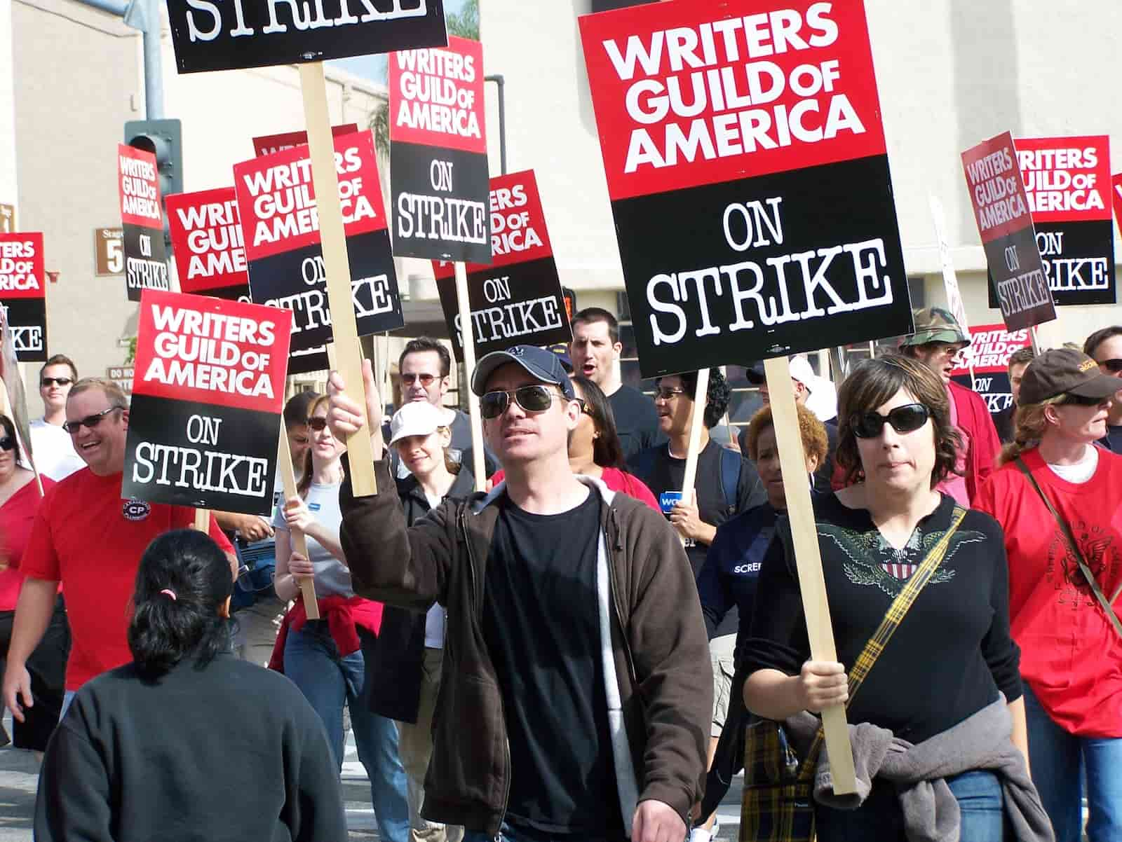 Best Screenwriting Websites - Script Writers - The WGA Writers Strike-min