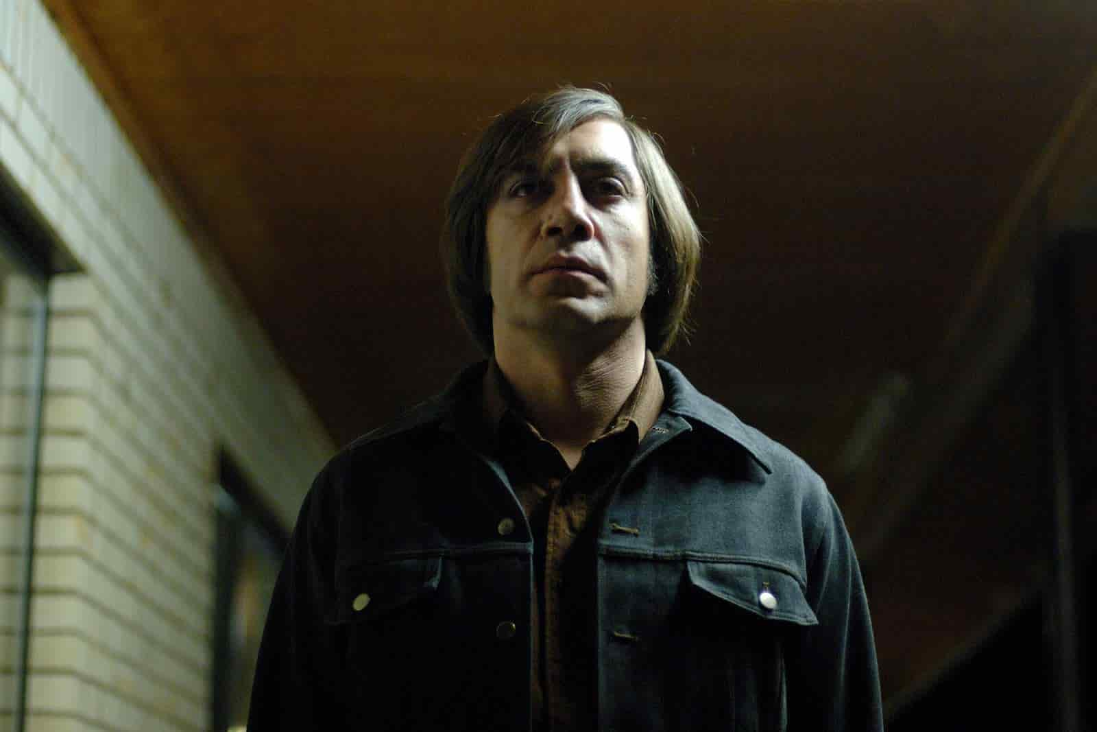 Low Angle Shot - Low Angle Example - No Country 1
