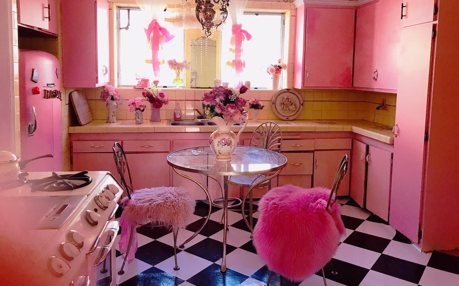 Essential Film Location Scouting Tips Barbie House Image
