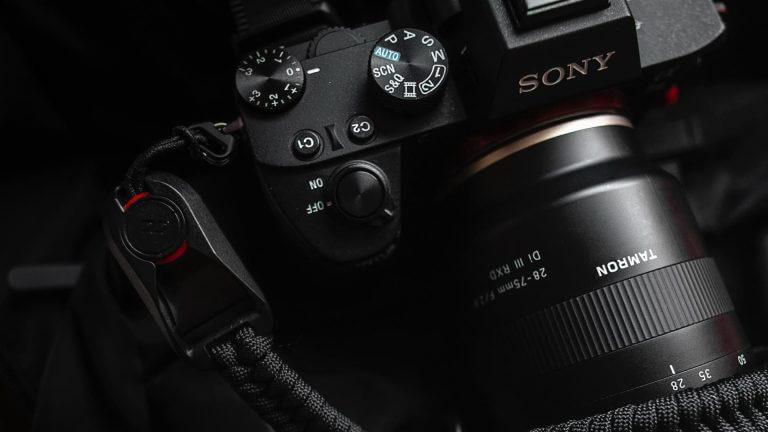 What is a Mirrorless Camera - Header - StudioBinder