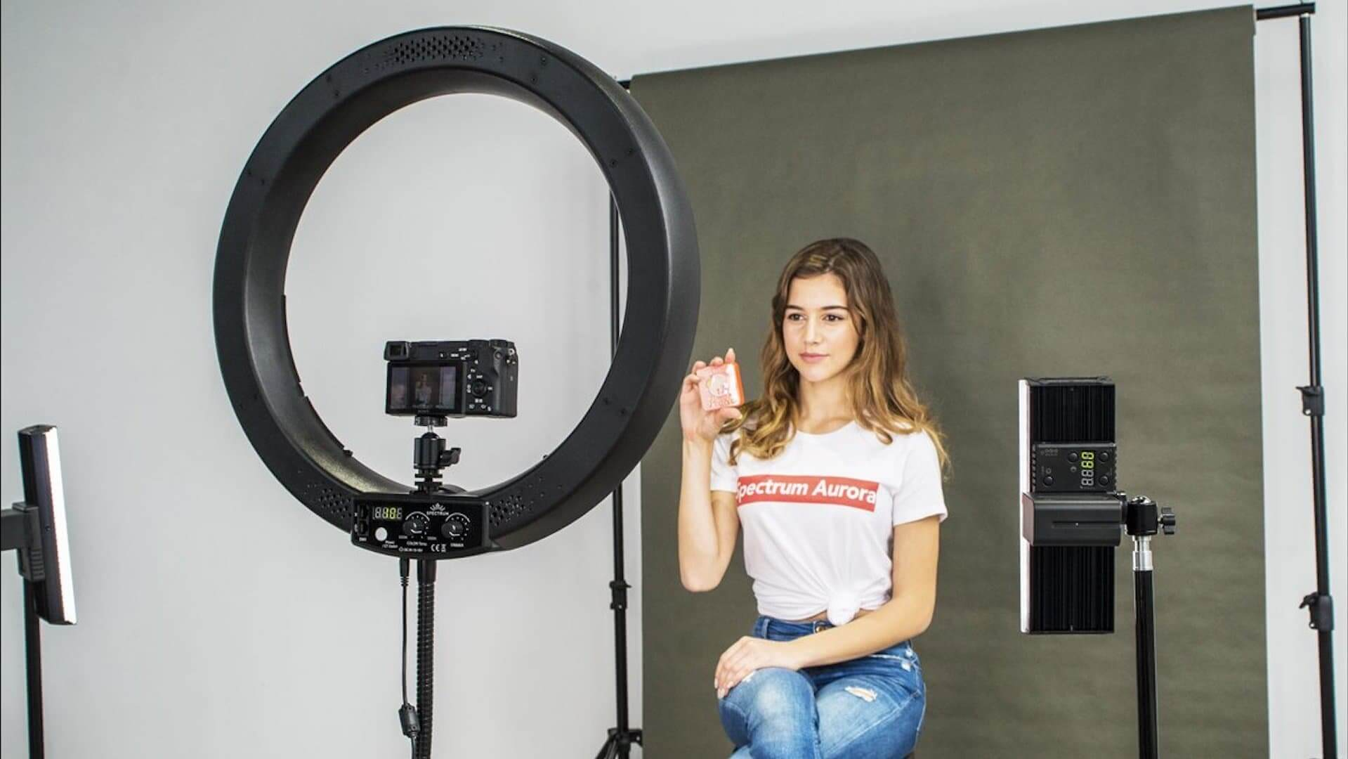 What Is A Ring Light - Definition and Example - Featured - StudioBinder