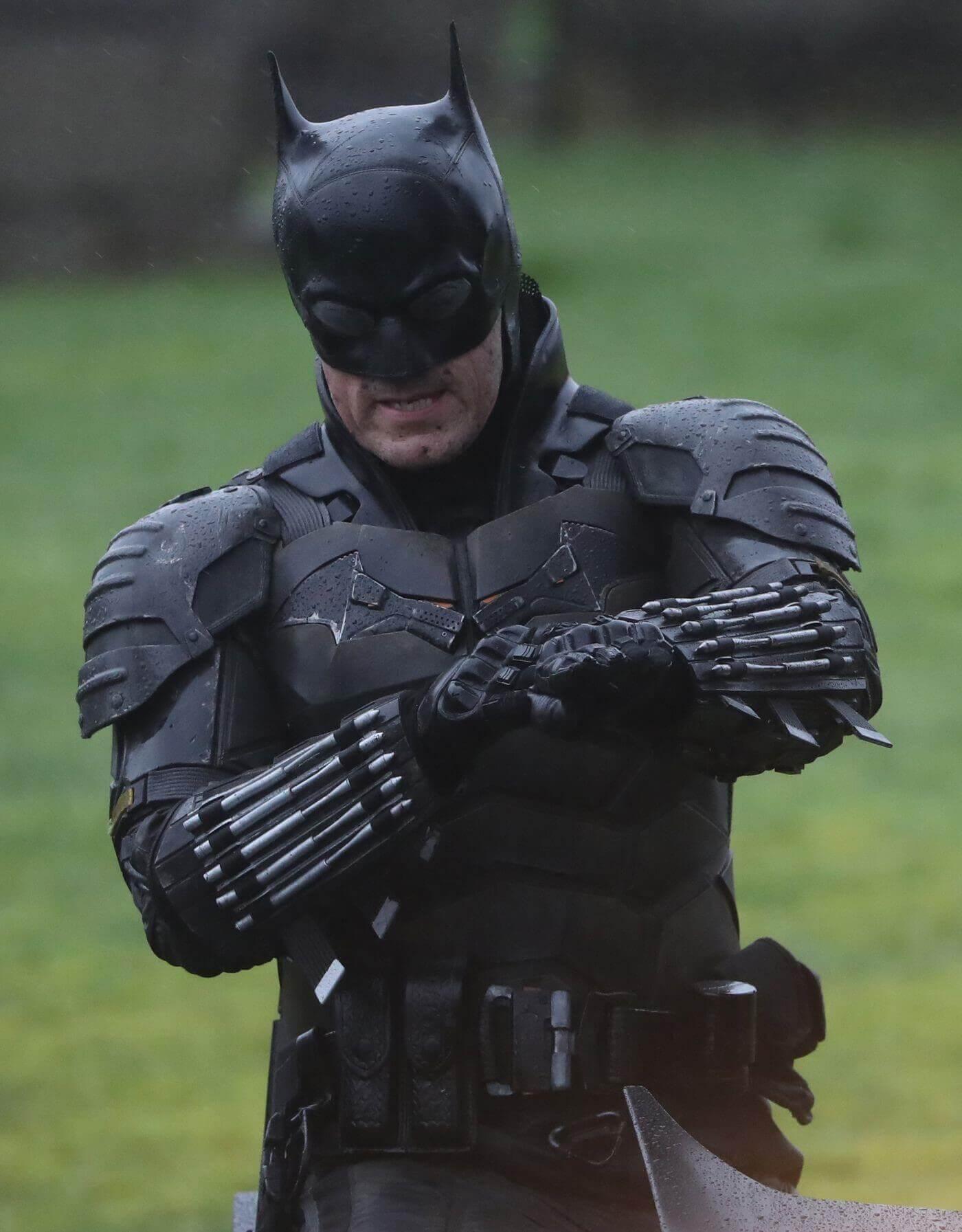 The Batman Cast, Set Photos, Release Date and What We Know So Far - The Batman Set Photos - Robert Pattinson Batman Batsuit