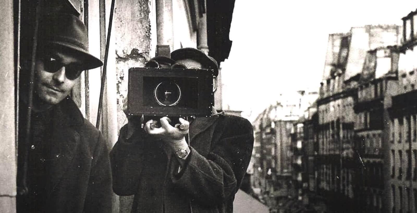 What is Hand-Held Shot - Jean-Luc Godard Shooting Handheld