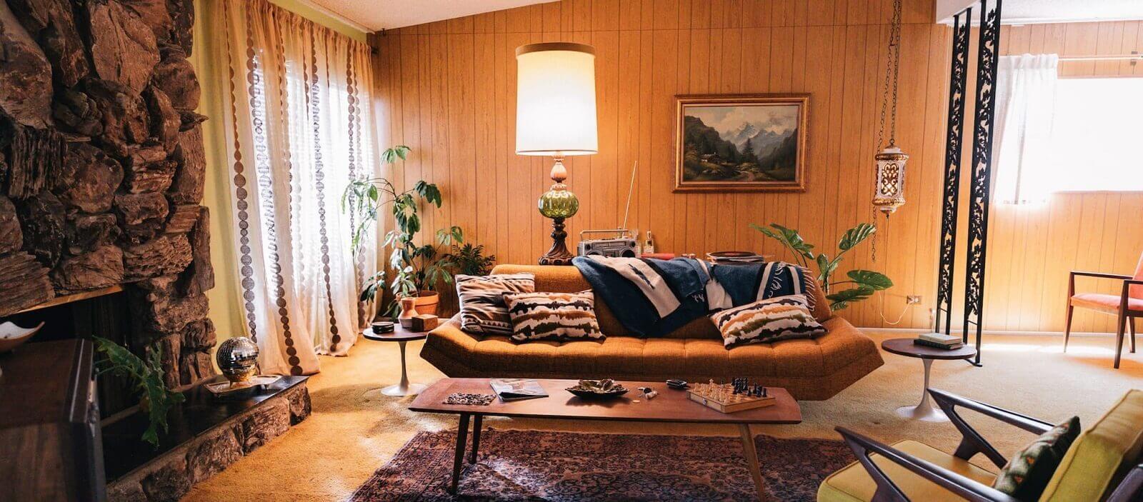 Top 10 Most Unique Filming Location - 60's Vintage House Honeymoon Hideout