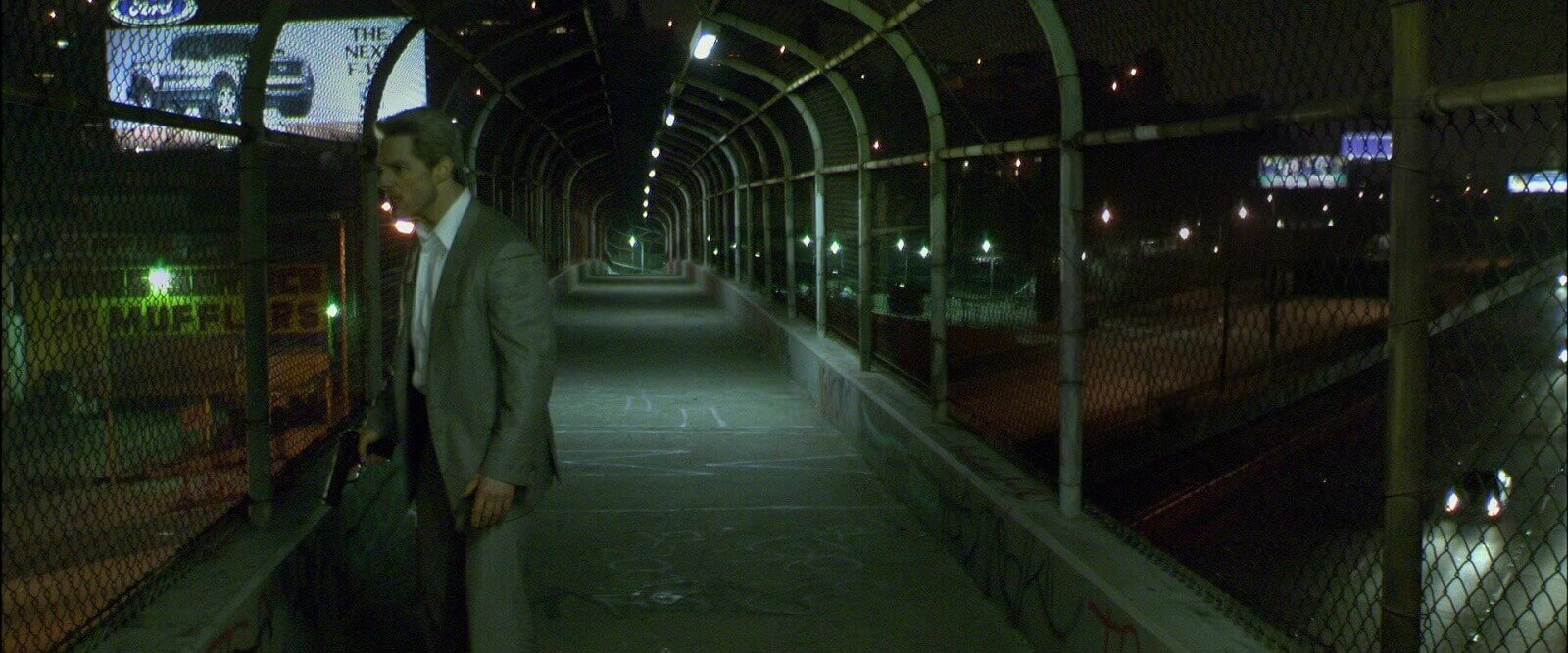 Collateral Explained - Mann found the perfect overpass for this Collateral movie scene