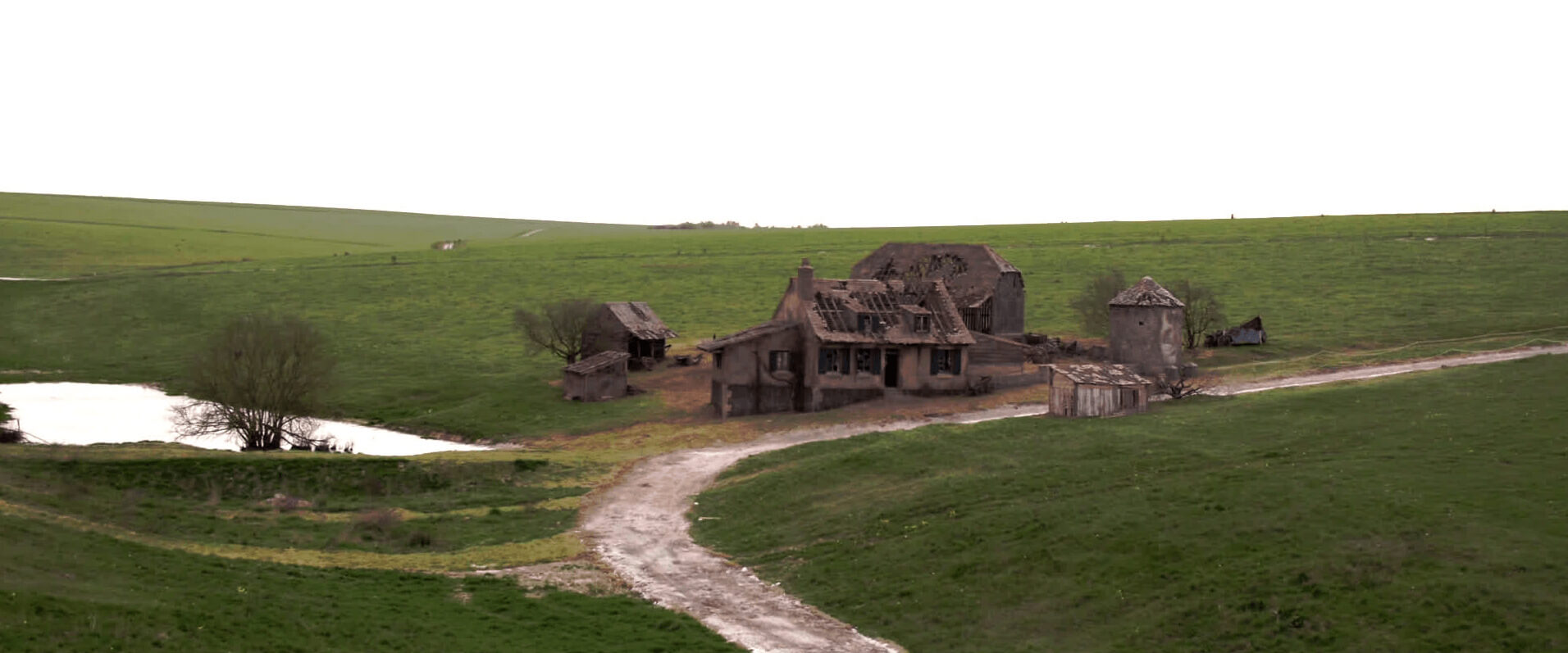 How Was 1917 Filmed - The Barn in the 1917 Set