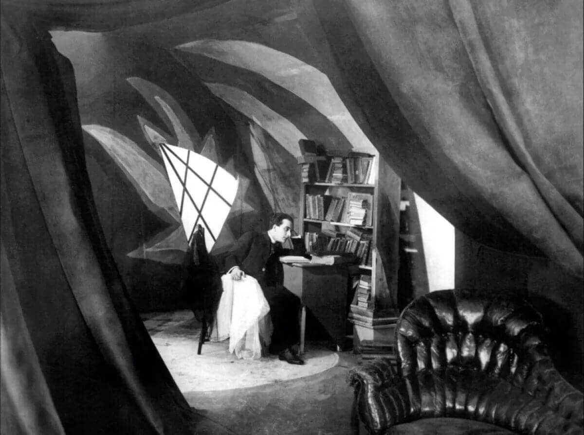 Chiaroscuro in Film - The Cabinet of Dr. Caligari