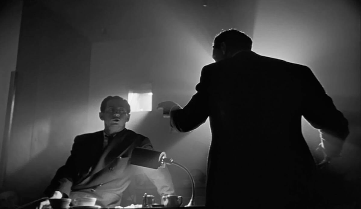 Creative Photography in Film - The Chiaroscuro Effect in Citizen Kane