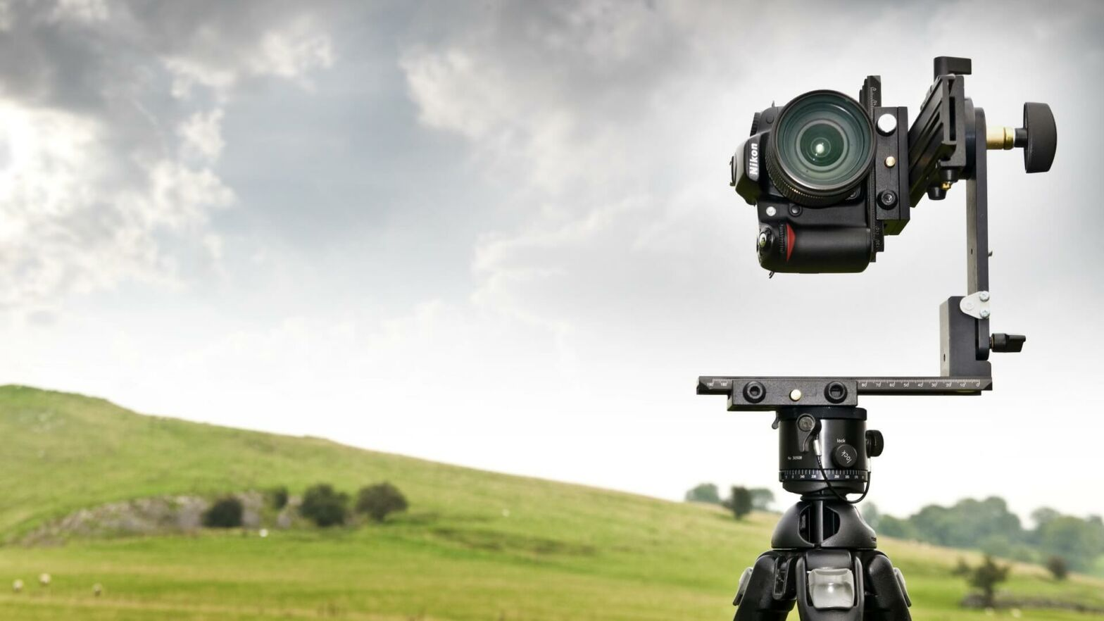 Best Tripod To Buy - Featured Image