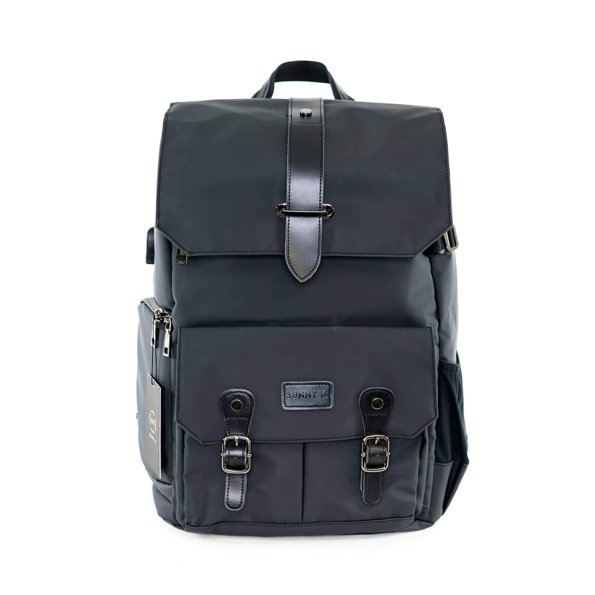 Best Camera Backpacks - The Voyager V2 Camera Bag