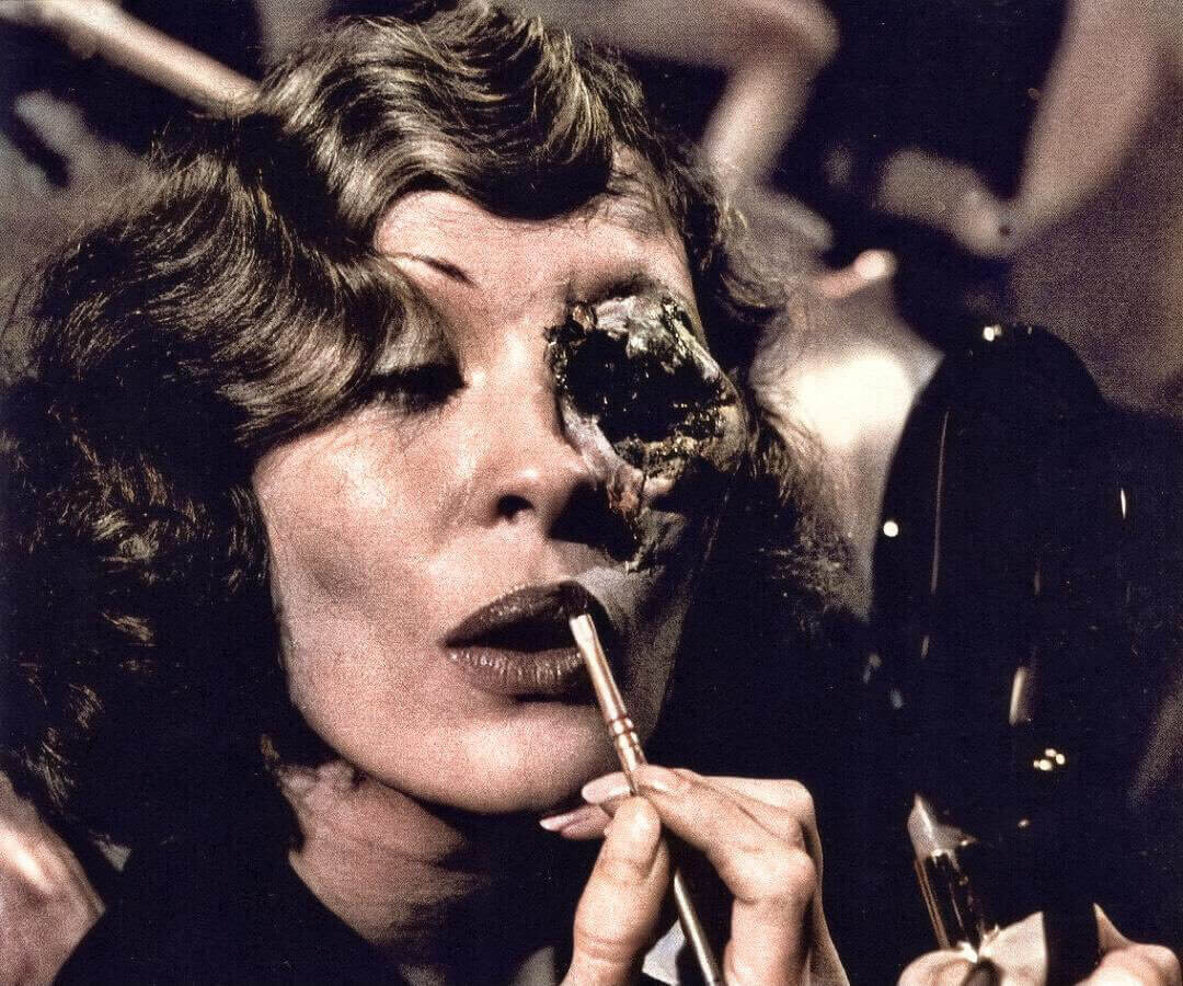 Chinatown Characters Faye Dunaways Flawed Eye in The Chinatown Ending